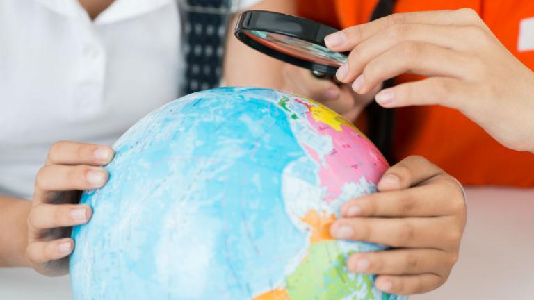 Megszűnhet a földrajz oktatás, kirúghatják a tanárokat