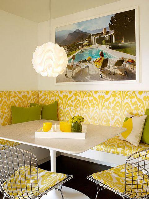 Egy modern étkező sarok-garnitúrával. A sárga-zöld plusz pont.