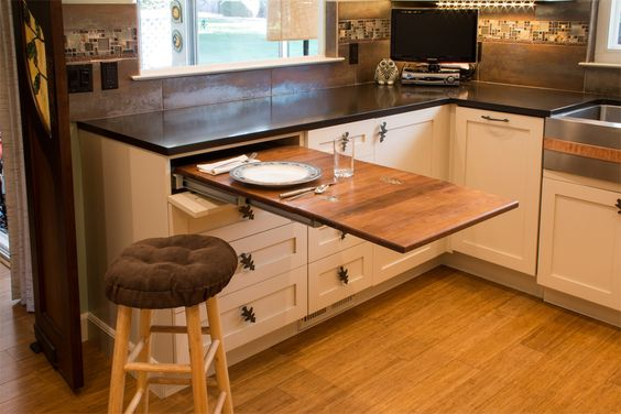 Egy pici konyhába is varázsolhatunk mini étkezőt.