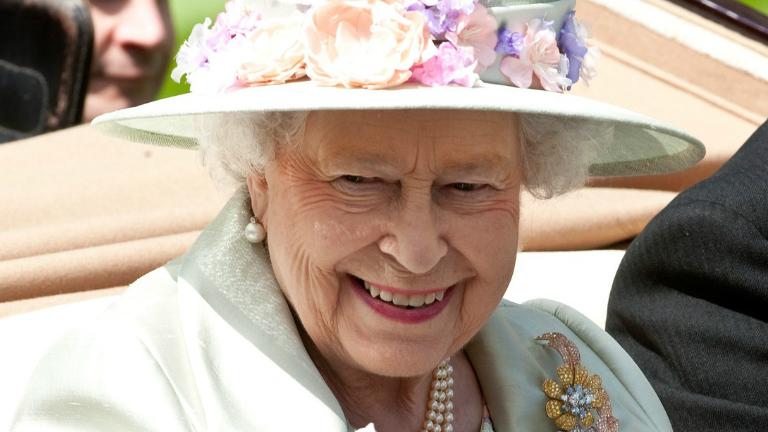 Tízezrek ünnepelték II. Erzsébet születésnapját