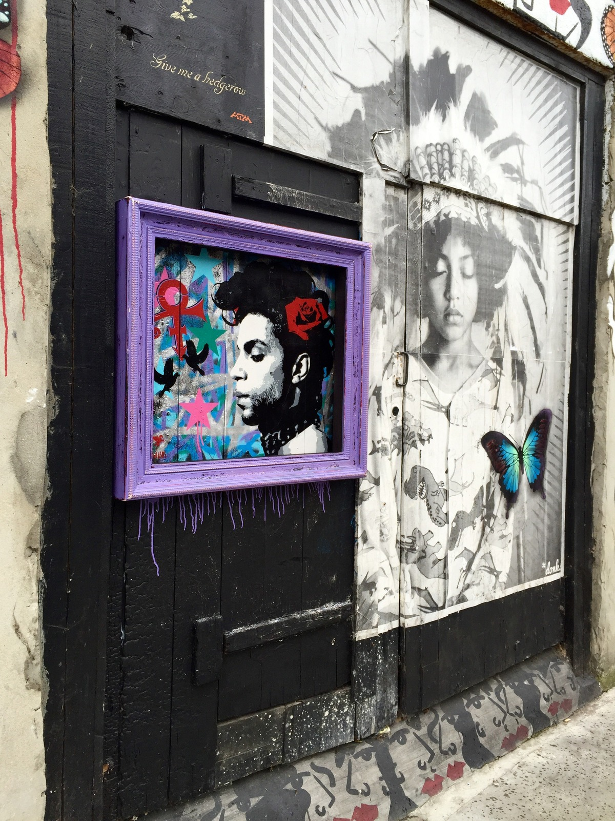 Street art művész állított emléket Prince-nek
