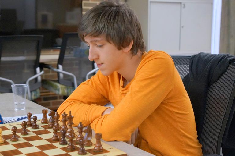 Gledura Benjámin, a 16 éves magyar srác, aki Karpovot és Ánandot is legyőzte
