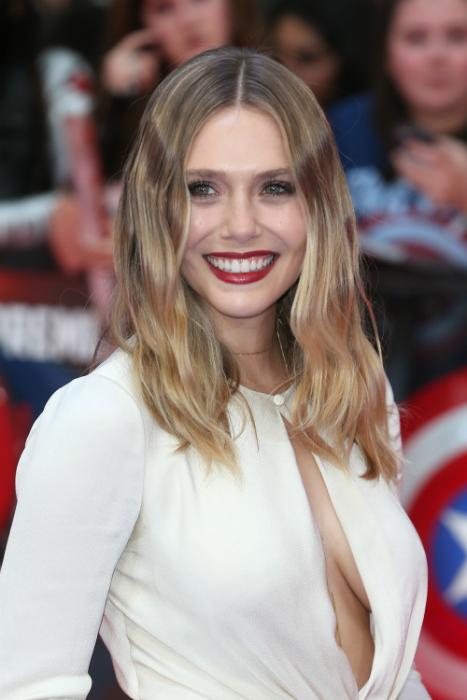 Olsen lány dekoltázsa mindent vitt a premieren