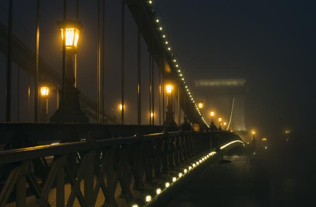 Szünetelhet Budapest díszkivilágítása