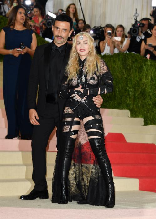 Madonna bimbó tapasza és világító feneke - ez mindent vitt a Met-gálán