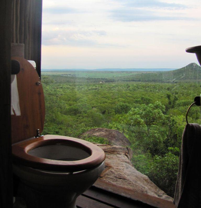 Egy afrikai apartman vécéje