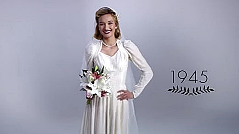 Így változott az esküvői ruhadivat az elmúlt 100 évben – videó  28b38764f6