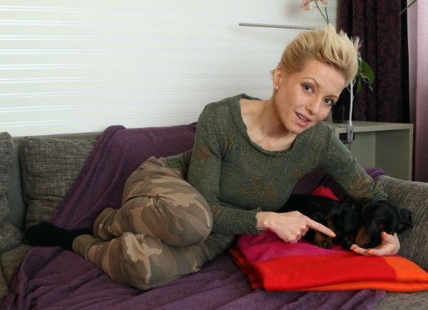 Héthónapos terhes Czifra Nomémi, Nóci