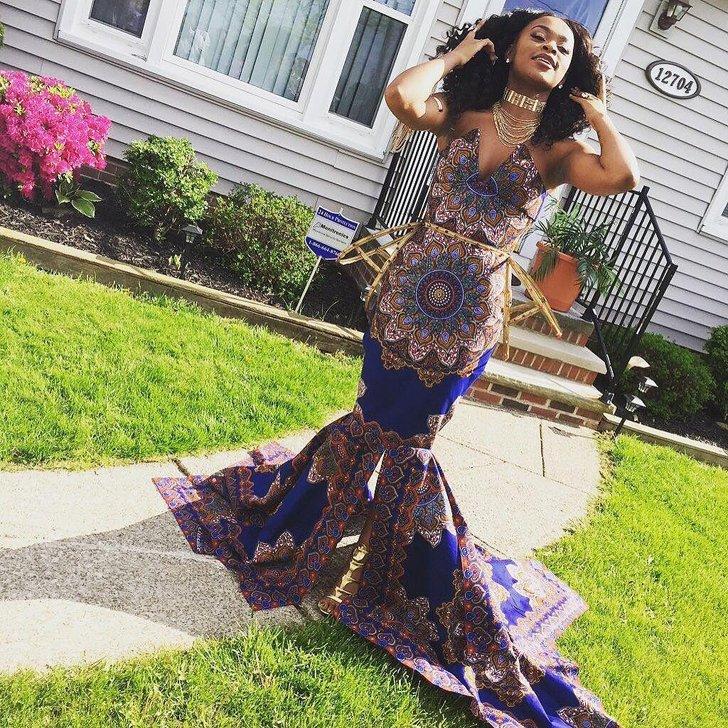Nem engedte a tanára, hogy afrikai mintát viseljen - lélegzetelállító ruhával vágott vissza a lány