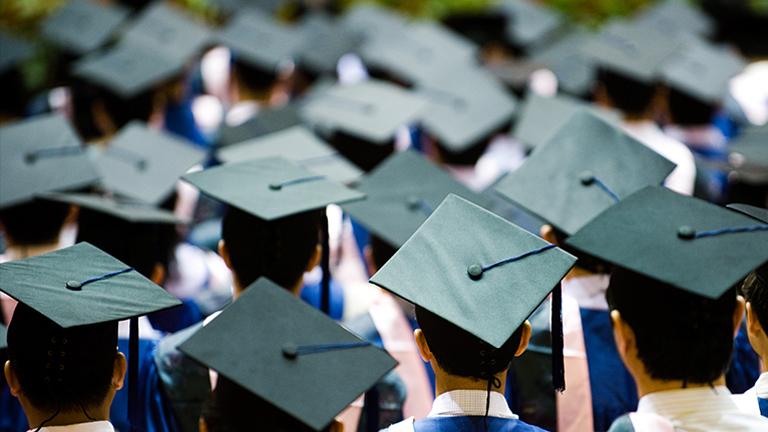 Szem nem maradt szárazon a diplomaosztón (Fotó: Tumblr)