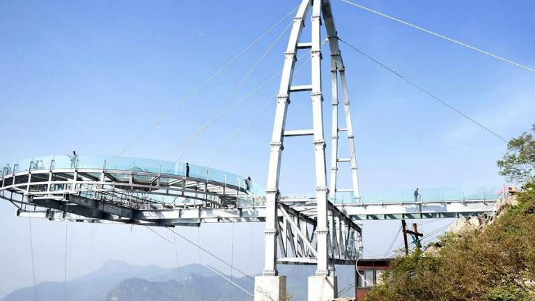 A semmi fölött épült kilátó Kínában
