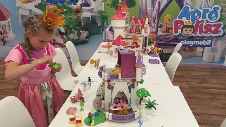 Megnyílt a világ első Playmobil játszóvárosa