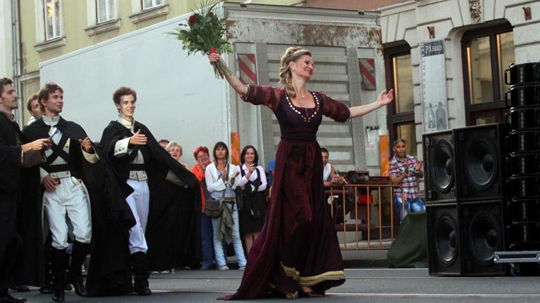 Opera - kifulladásig