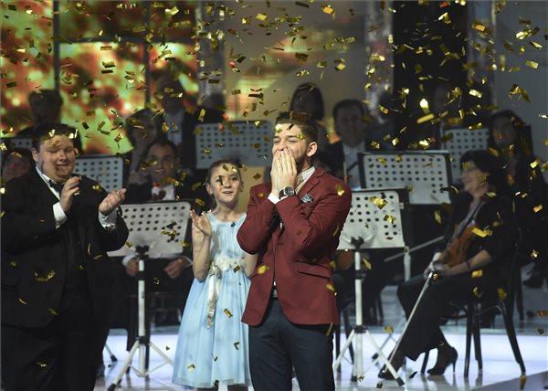 Virtuózok: Kökény Tamás nyerte a fődíjat