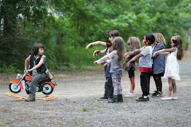 Ilyen lenne a The Walking Dead pici gyerekekkel - fotók