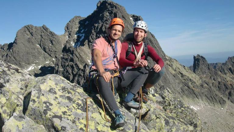 vele tart jó barátja és mászótársa, Suhajda Szilárd