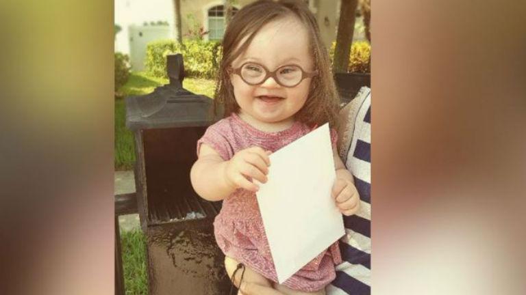 Levelet írt az orvosnak, aki szerint el kellett volna vetetnie Down-os kislányát