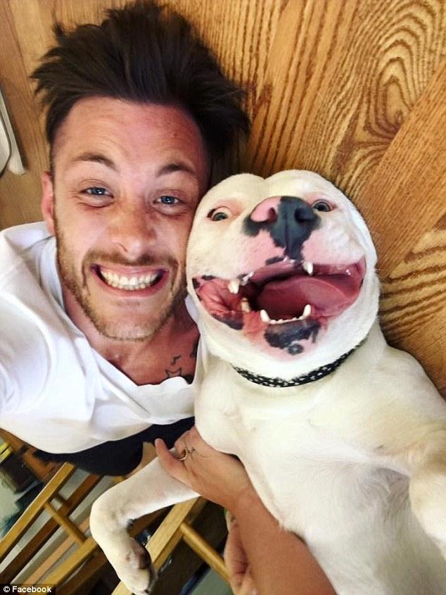 Egy kép miatt akarják elaltatni a mosolygós kutyust