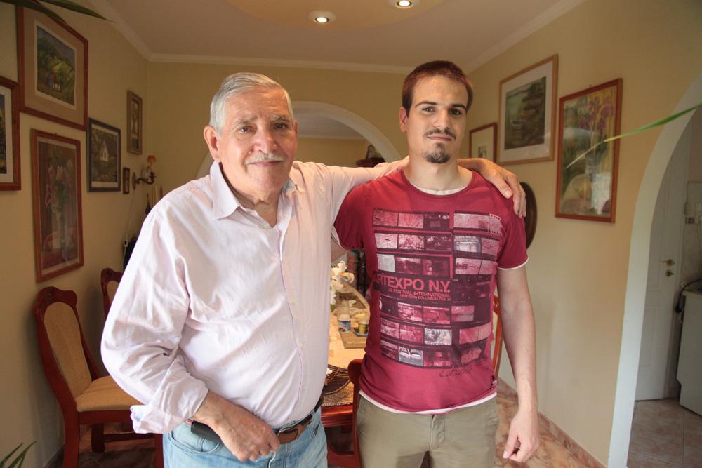 Szuperapu: Sütit süt, szakdolgozatot ír és ő volt gyesen az unokájával - bemutatjuk Cser Tamást