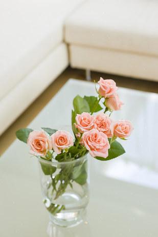 A vágott virág egyszerűen csodát tesz. Igaz, nem túl hosszú életű, de garantáltan feldobja a lakás