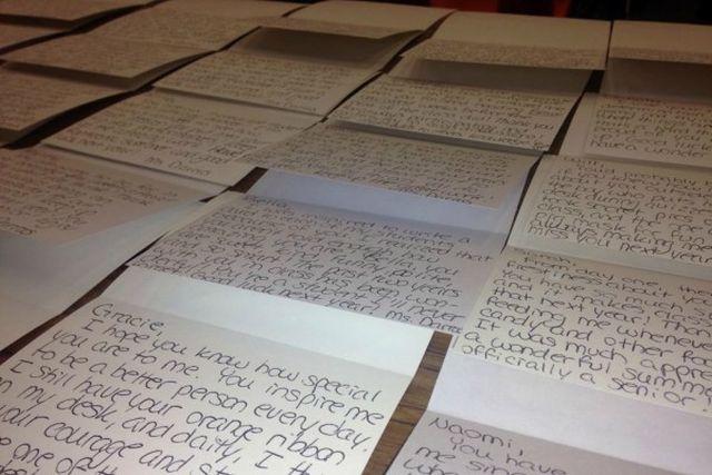 130 levelet írt a tanárnő a diákjainak, hogy megelőzze az öngyilkosságot