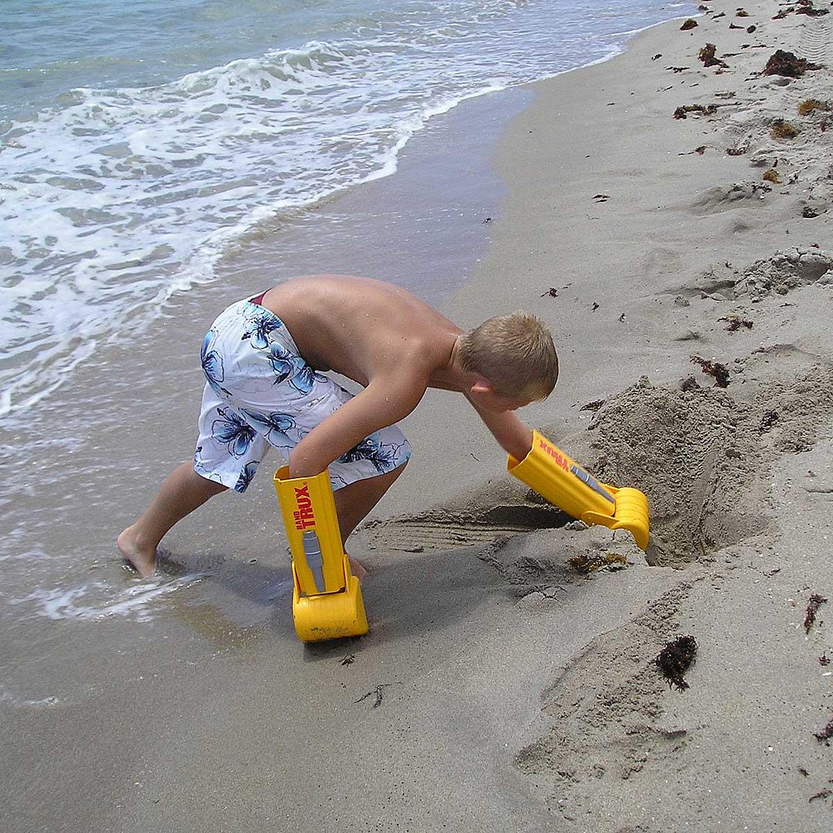 A magassarkú búváruszonytól a strandtrezorig: 11 találmány, ami megpróbálta forradalmasítani a strandolást
