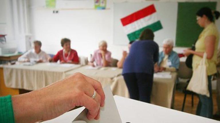 Megvan, mikor szavazunk a kötelező betelepítésről