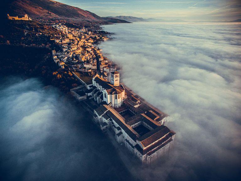 Assissi Szent Ferenc bazilika, Umbir, Olaszország. Utazás kategória, 1. helyezett