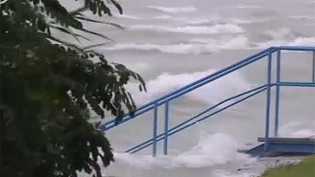 Kimosta a vihar a Balatont a medréből