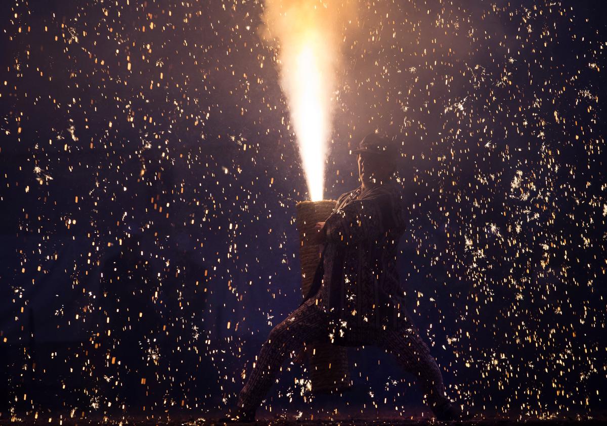 15 fotó japán egyik leglátványosabb tűzijáték fesztiváljáról, a Tezutsu Hanabiról
