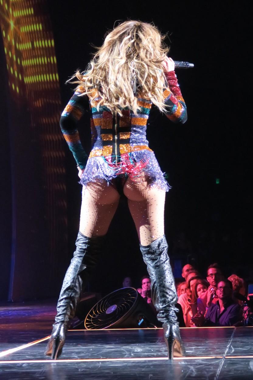Jennifer Lopez telibe mutogatta a fenekét - fotók
