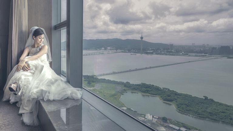 Leung különleges hangulatú képeiről ismert