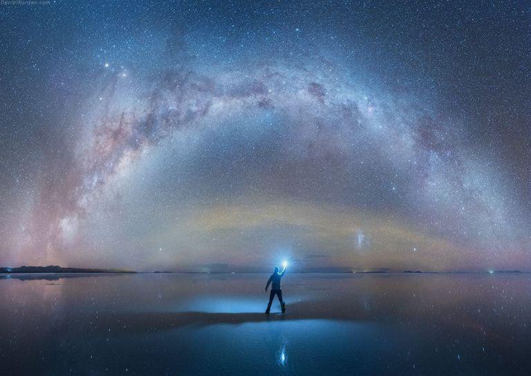 Ebben a hatalmas tükörben még a Tejútrendszer is látszik