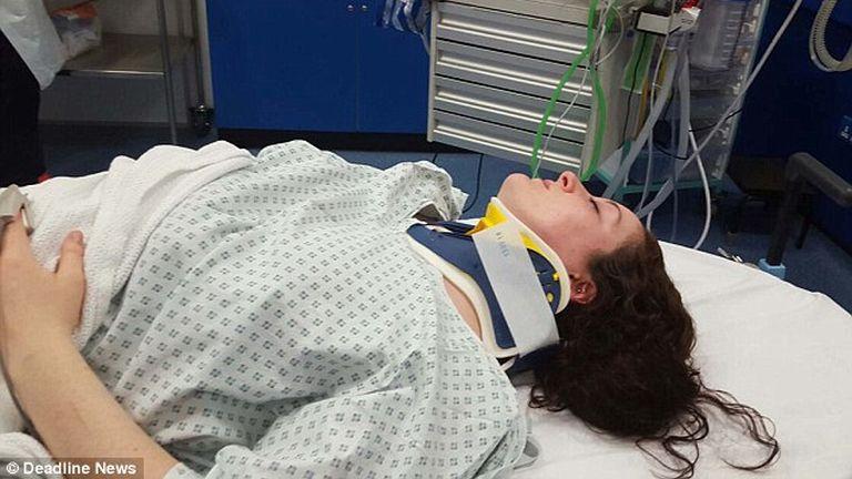 Ashley csak a kórházban döbbent rá, milyen súlyos sérüléseket szenvedett