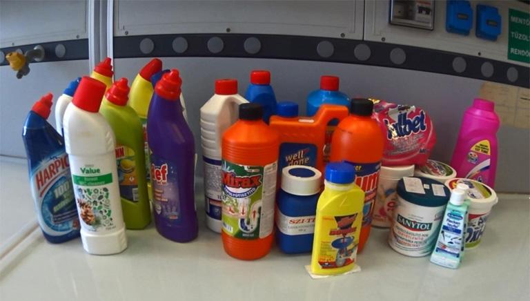 Átvernek a tisztítószerekkel