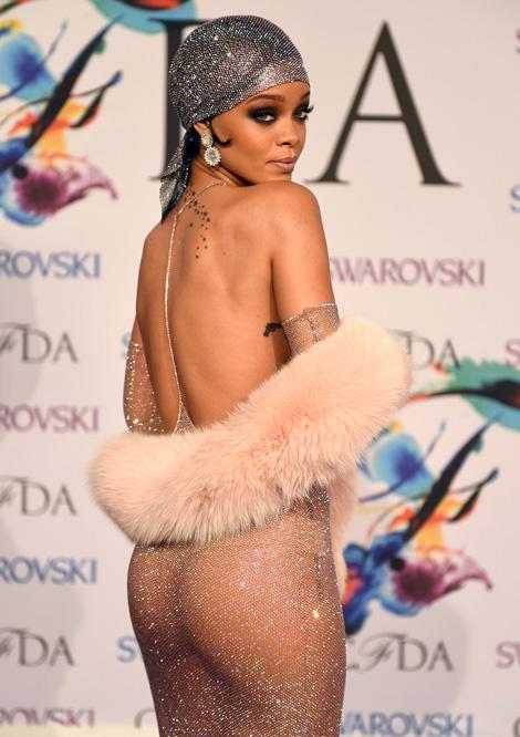 Fenevad érkezik a Szigetre: Rihanna legbestiálisabb pillanatai