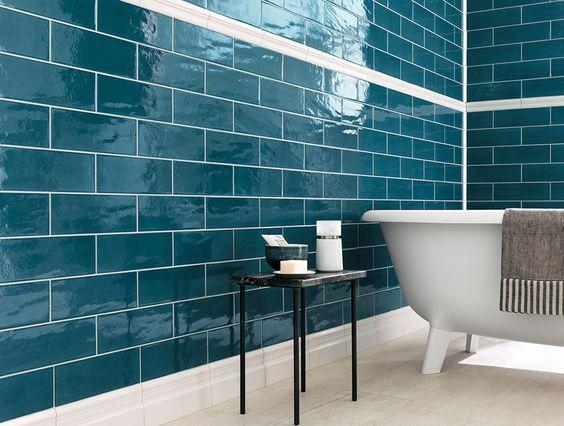A fürdőszobát is igazán elegánssá teszi a metrócsempe.