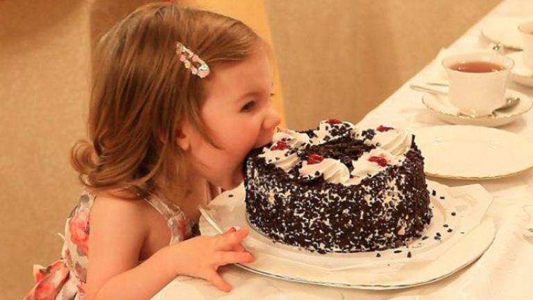 8 fotó, ami bizonyítja, hogy a gyerekek mindig tudják, hogyan csaljanak mosolyt az arcodra