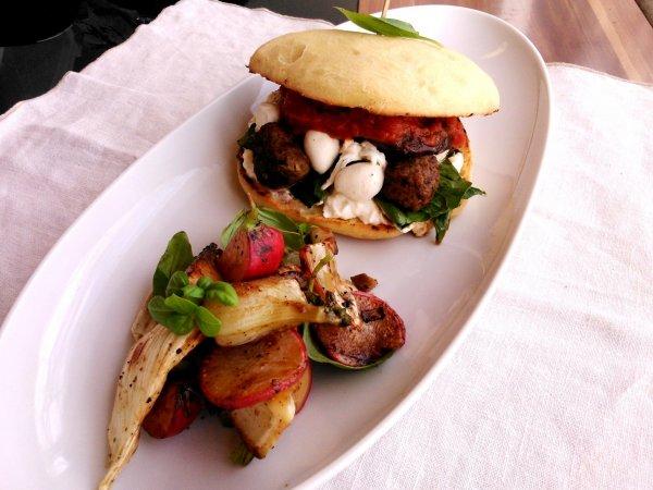 Sajtburesz és olasz buresz: 2 szuper házi hamburger