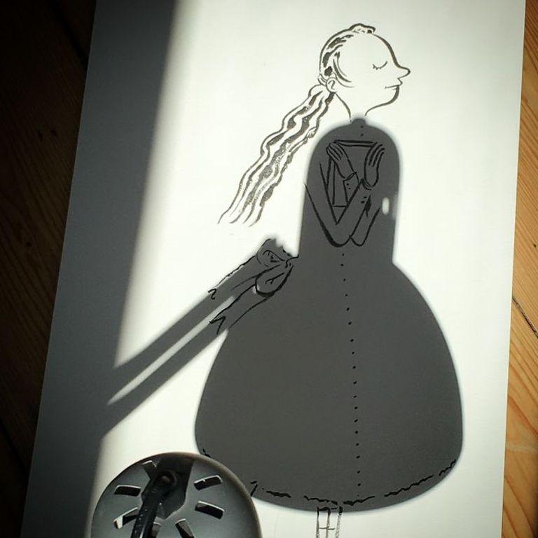 Határtalan kreativitás: árnyékokat alakít szuper rajzokká egy művész