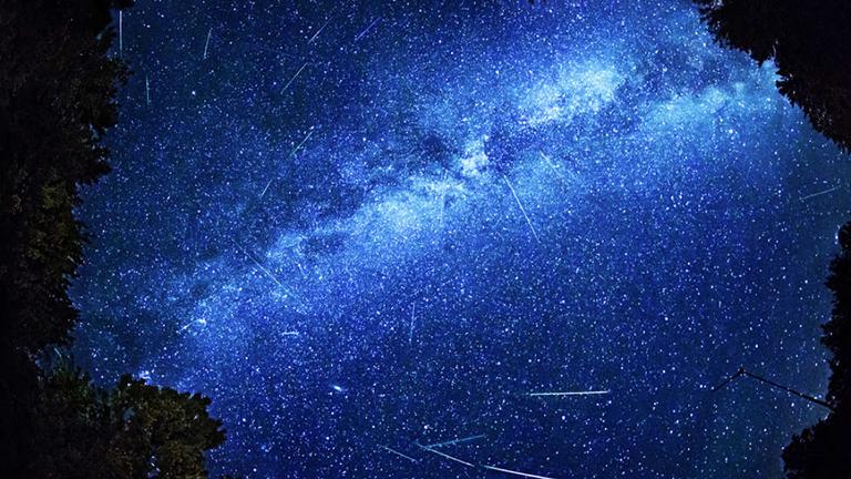 Az évszázad legnagyobb meteoresőjét online is nézheted