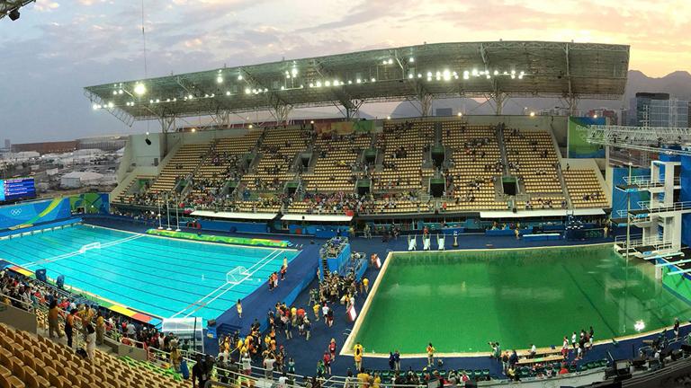 Olimpia 2016: lecserélik a furcsán bezöldült vizet