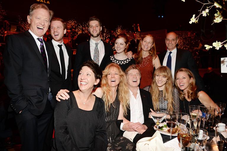 Robert és családja a Chaplin díjátadó gálán