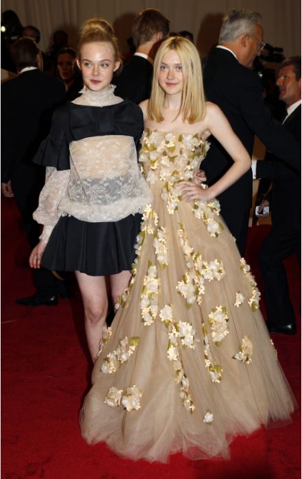Lélegzetelálító Elle Fanning ruhája
