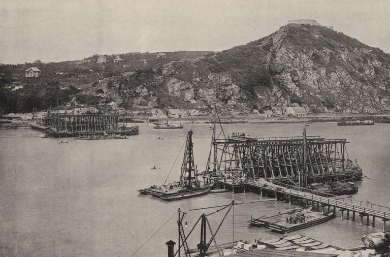 A híd építése 1895-ben (Fotó: Timelord)