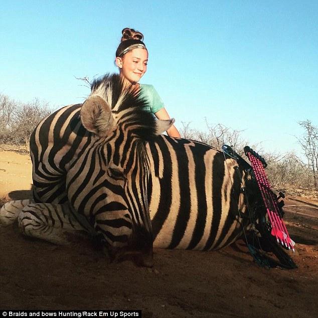 Zebrát és zsiráfot is ölt már a 12 éves lány - az interneten védte meg