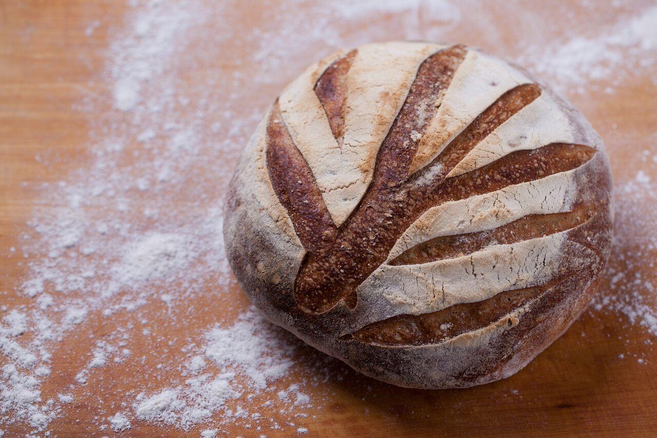 Recept: Így készül a teljes kiőrlésű búzakenyér és kovászolt francia kenyér