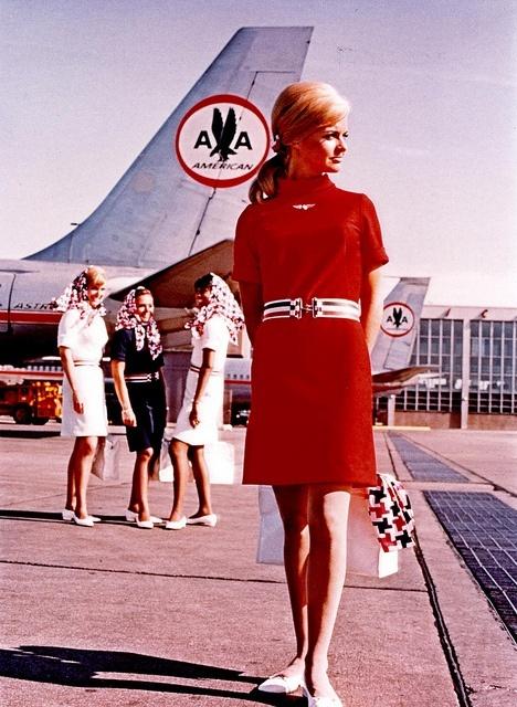 Bohócruhától az usankáig - a leg-leg-leg légikísérő-egyenruhák