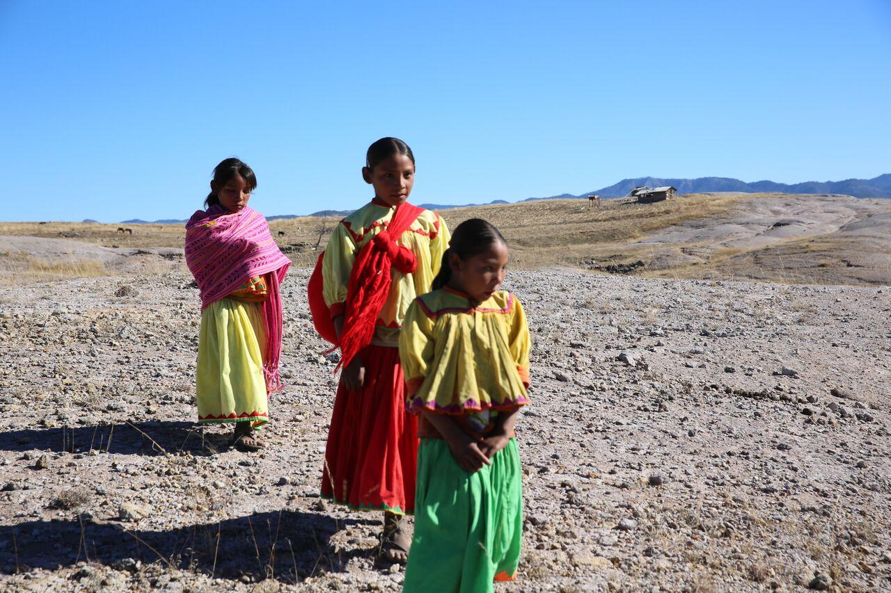 Ezek a gyerekek életveszélyes utakon járnak az iskolába