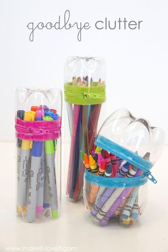 Petpalackból egyedi tolltartó.